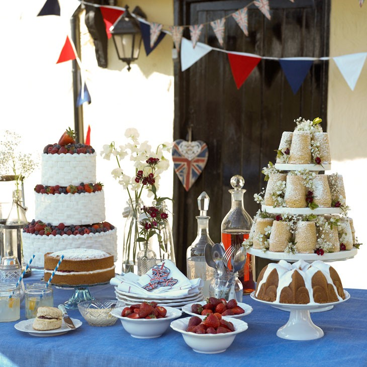 British Royal Wedding Cakes: Pippa Jameson Interiors, Leading