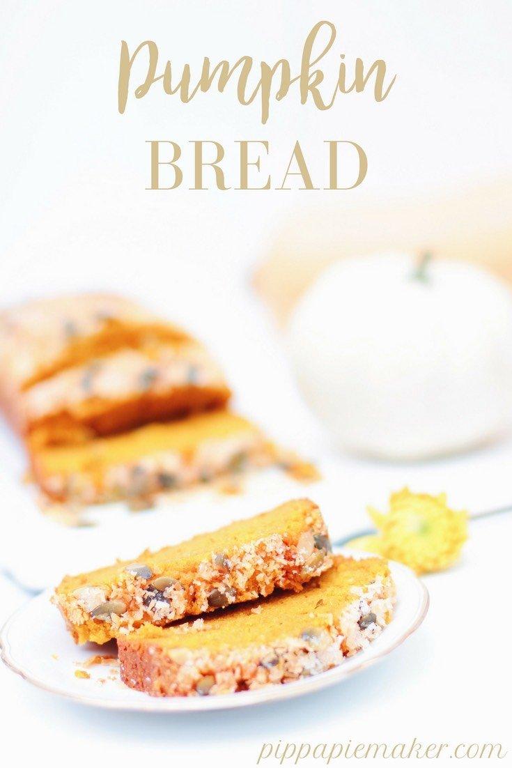 Dieses Pumpkin Bread Rezept ist eins meiner Lieblingsrezepte im Herbst! Ein Kürbiskuchen als Kastenkuchen, praktisch, lecker, unglaublich saftig und ganz einfach zu machen.
