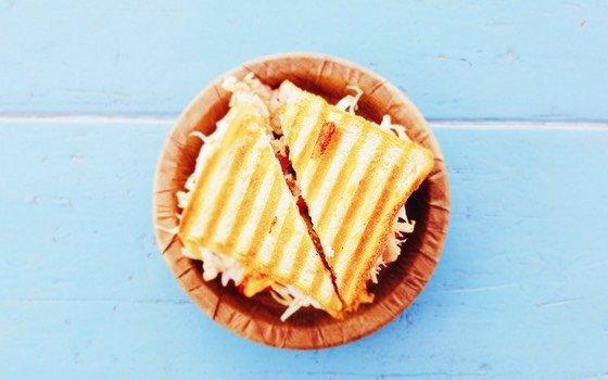 Jeden Morgen stellt man sich dieselbe Frage: was soll bloß wieder in die Lunchbox der Kinder? Hier findest du 33 Alternativen zum Pausenbrot, die gut vorzubereiten sind.