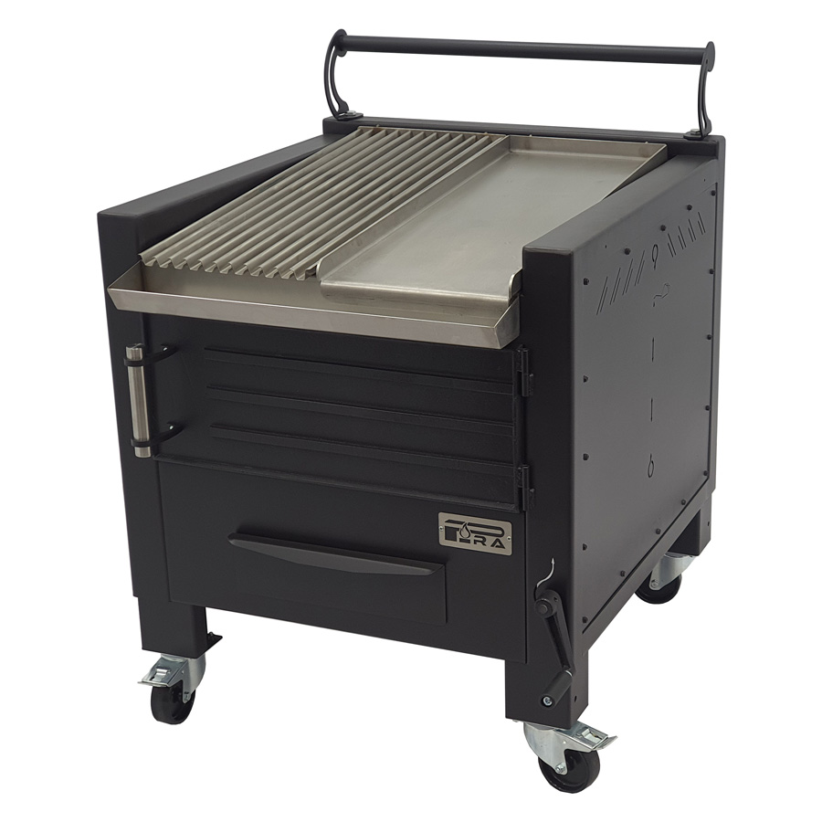 Pira BBQ M80 with half grooved grill and half griddle plate
