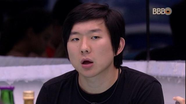 Pyong Lee vai processar haters