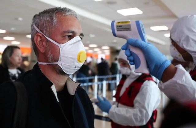 Epidemia do coronavírus vive 'nova etapa' e avanço ao interior é inevitável, diz ministro interino da Saúde
