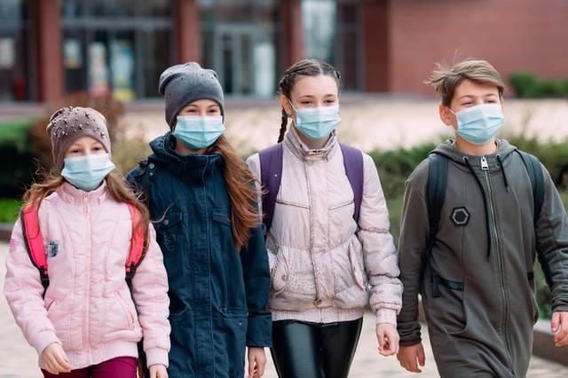 Estudante sem máscara vai ser barrado na volta às aulas em SP