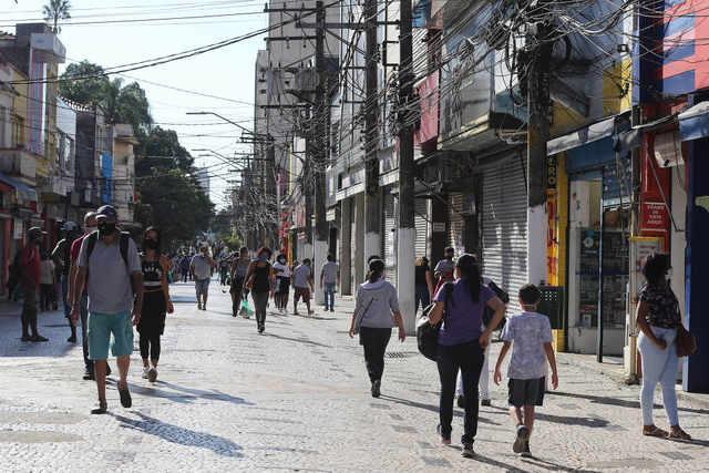 Governo de SP determina fechamento de comércio em mais duas regiões do interior