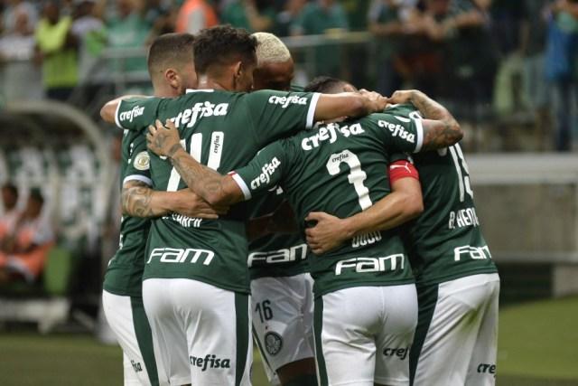 Palmeiras registra quatro casos de coronavírus no elenco e afasta um atleta