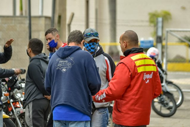 Motoqueiros entregadores de aplicativos fazem protesto nesta manhã, em Piracicaba
