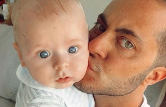 Uma foto de Thammy Miranda com o filho