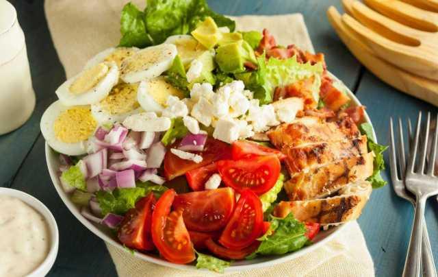 Uma foto de um prato de Dieta Low Carb