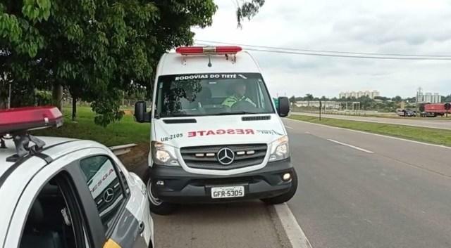 Em Piracicaba, pneu de moto estoura e deixa duas vítimas em rodovia