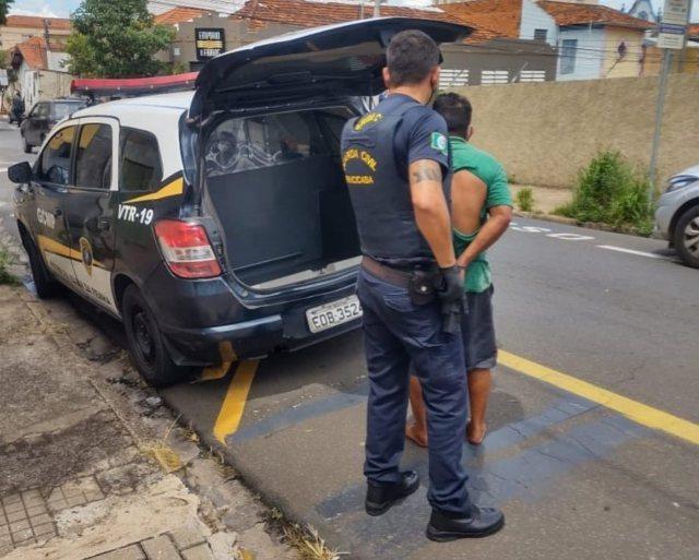 Piracicaba (SP): Indivíduo é preso após roubar carro, esfaquear vítima e invadir residência