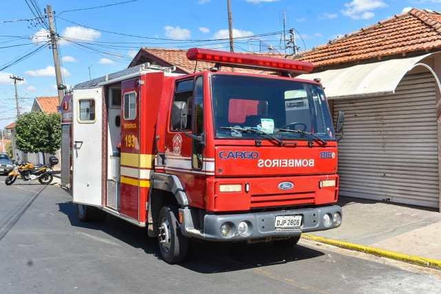 bombeiros caminhão