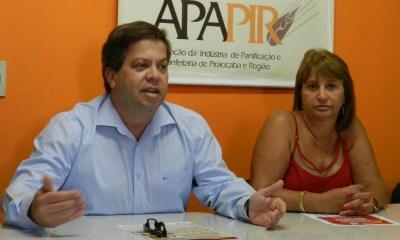 Antonio Carlos de Aguiar Ribeiro (Sebrae-SP) e Elisabete Mazero (Apapir) - Foto: Divulgação