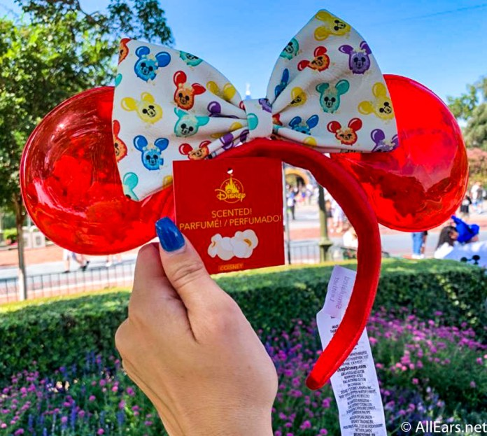 Loungefly Minnie Mouse popcorn ears