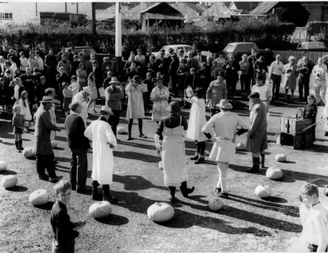 1967 The Pumpkin Club dwyle flonking in he Fox car park.