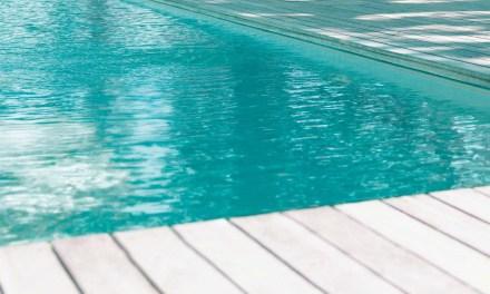 Cómo bajar y subir el pH de una piscina