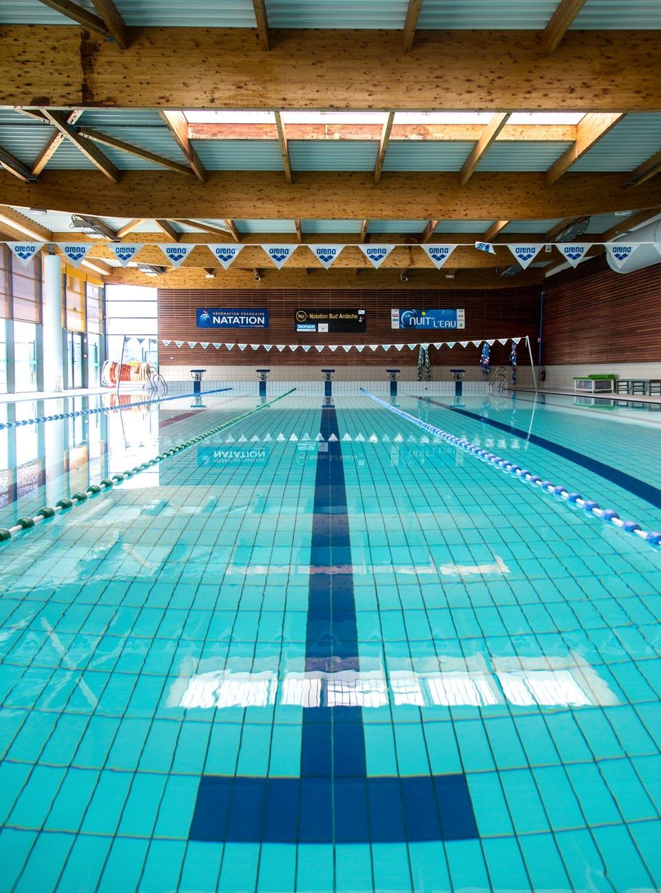 Couloir de nage - bassin intérieur