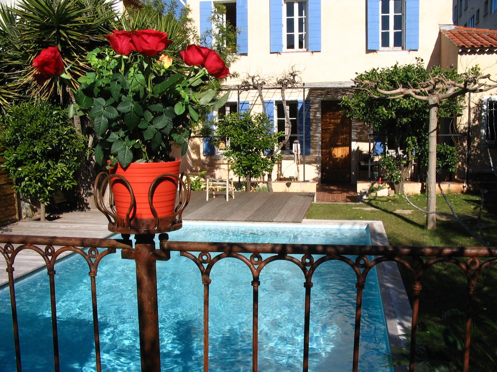 Barrire piscine fer forg Provenale Deluxe une autre vision de la cloture