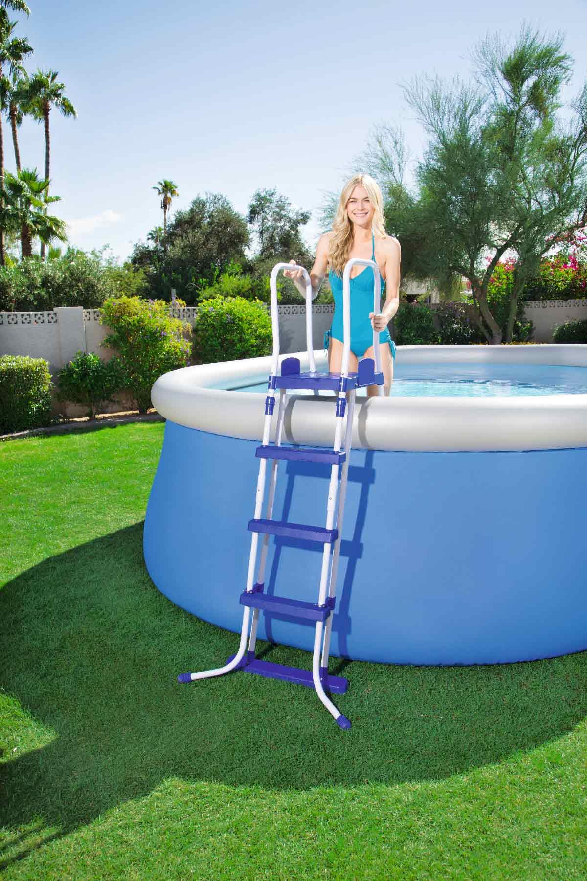 echelle de piscine hors sol comment