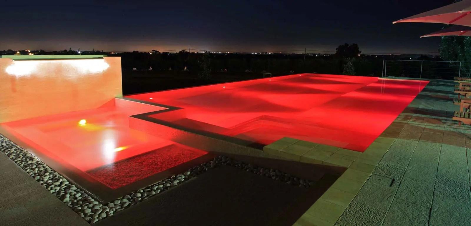 Illuminazione per piscine  Piscine Castiglione