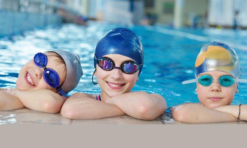 Corso di nuoto Avanzato per Bambini  Piscine di Darfo