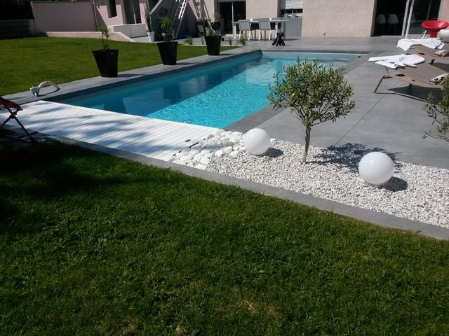 terrasse piscine amenagement