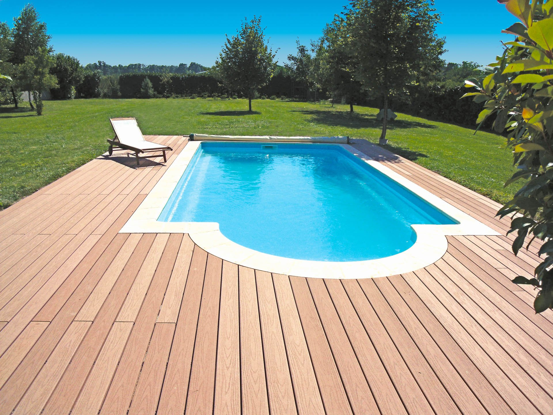 piscine coque polyester forme rectangulaire 8 50x4 a fond plat caraiba 3 piscines ibiza