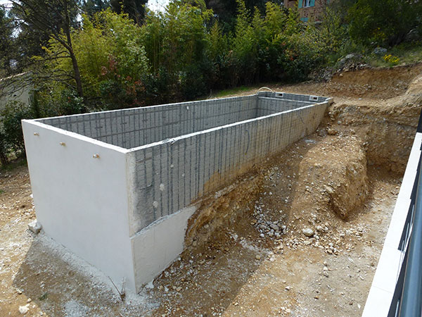 Construction Piscine Traditionnelle Beton Marinal