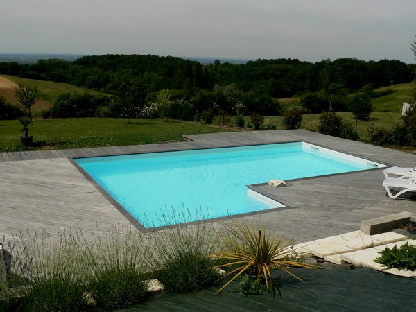 Piscine traditionnelle beton Marinal