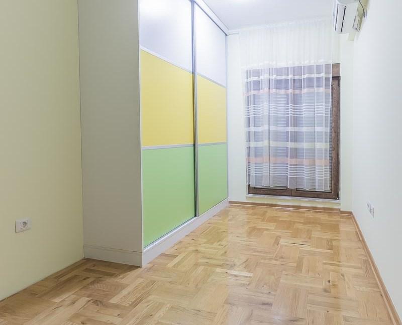 Izdavanje stanova- Podgorica - Slovačka Ulica-1