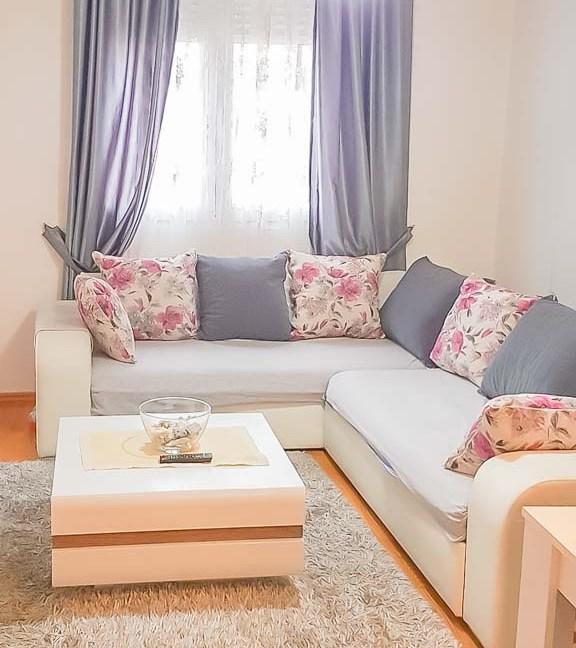 Izdaje se jednosoban stan ispod Ljubovića | Podgorica