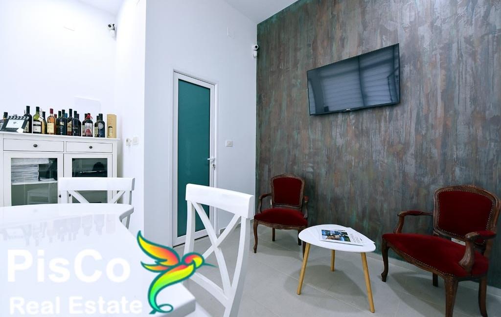 Izdaje se poslovni prostor na Starom Aerodromu   Podgorica