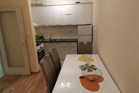 Izdaje se jednosoban stan u Zagoriču   Podgorica