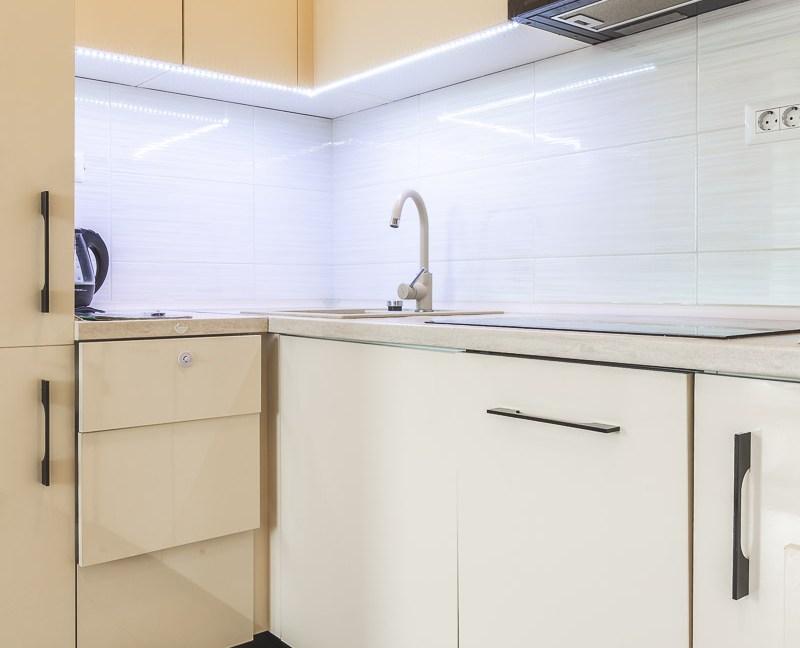 Moderan i dobro održavan stan se izdaje na duži period-5