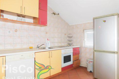 Izdaje se trosoban stan u Tološima | Podgorica