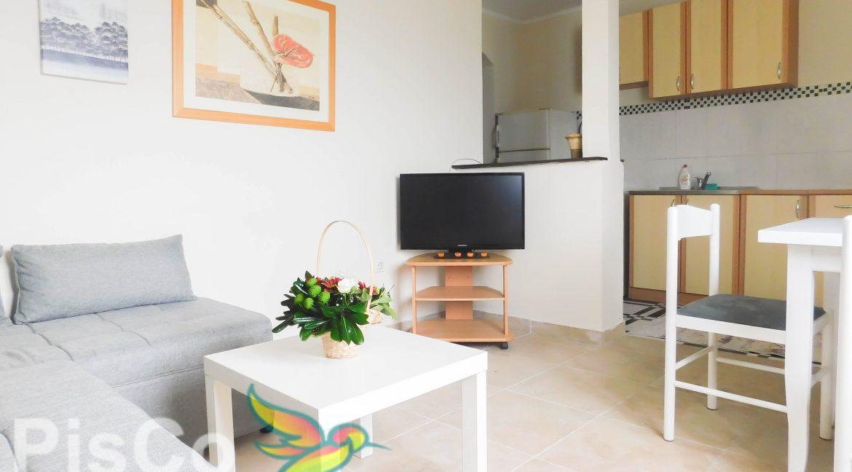 Izdaje se dvosoban stan u Centru grada   Podgorica