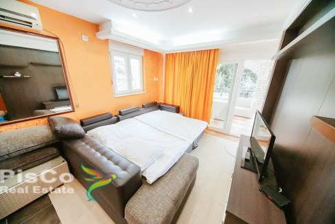Prodaje se jednosoban stan na obali mora - Herceg Novi