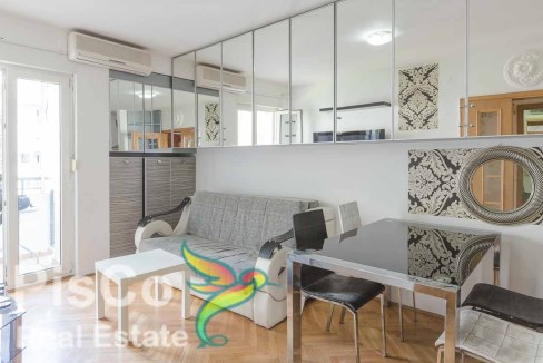 two-bedroom Central Point located 067659186