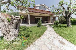 Izdaje se kuća u Tološima l Podgorica