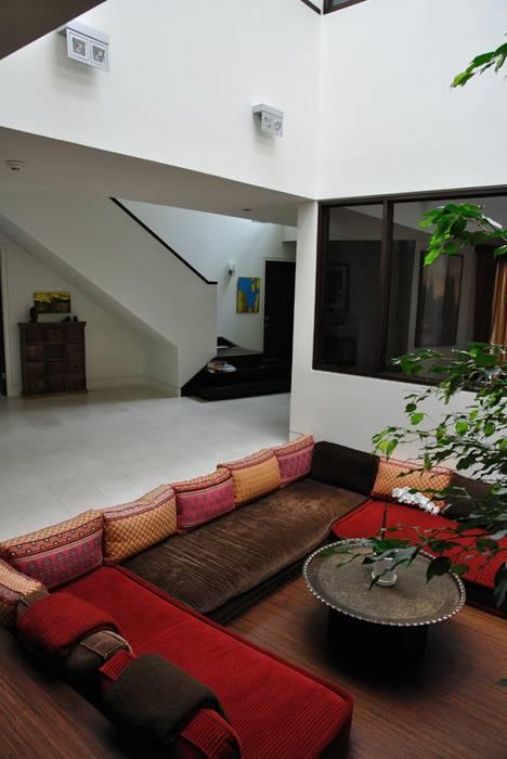 circular sofas leather sofa fading repair 10 salas de estar hundidas - pisos al día pisos.com