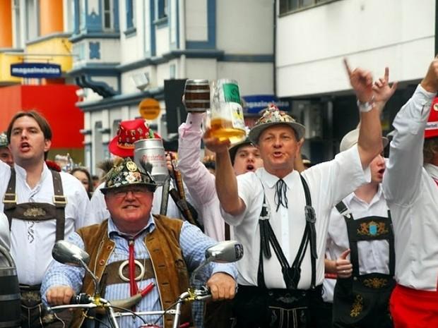 33ª Oktoberfest começa nesta quarta com cerca de 40 tipos de chope