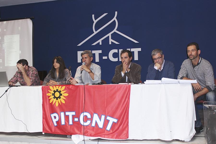 PIT-CNT presentó anteproyecto de ley que protege a los cincuentones