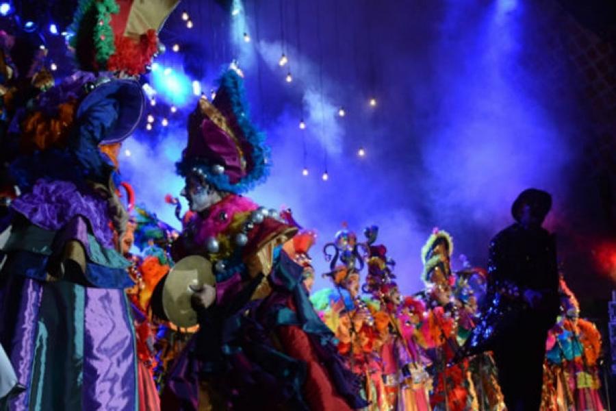 Feliz carnaval en el Velódromo; no sólo del trabajo vive el hombre