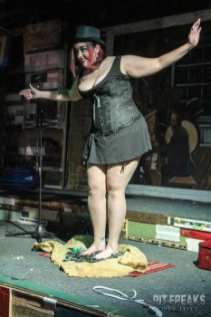 Della Deadgirl