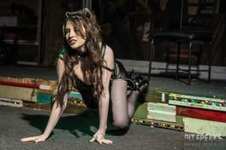 Cat De Lynn