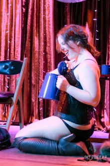 burlesque-is-a-basterd-135