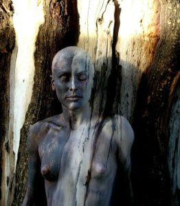 Body painting mimetizacion arbol