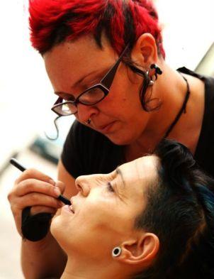 Photoshooting y rodajes - Maquillando