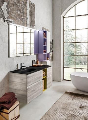 Bagno moderno sospeso con rivestimento effetto legno ceramica pietra e vetro Consegne in