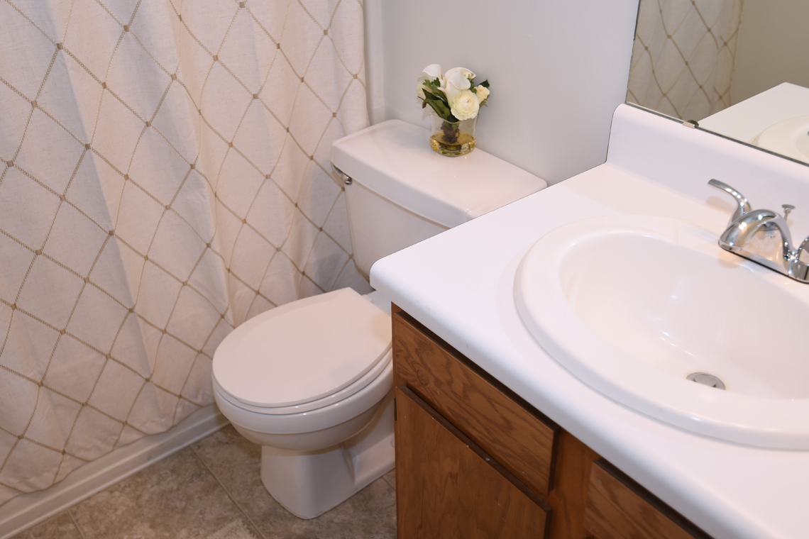 Wesley South at ECU & Brookfield at Lynndale - 1 Bedroom Bathroom