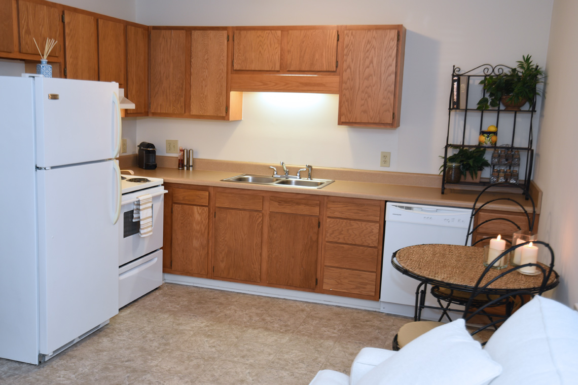 Wesley South at ECU & Brookfield at Lynndale - 2 Bedroom Kitchen